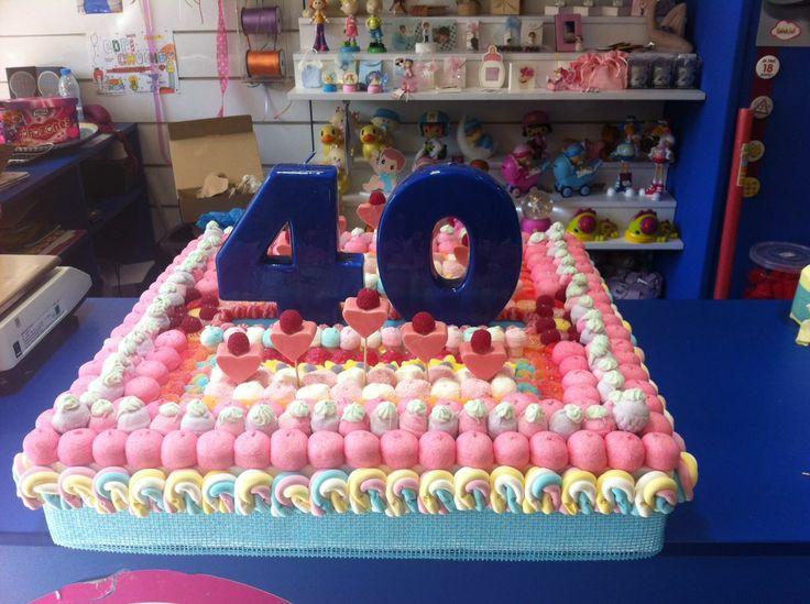 Increíble tarta para celebrar un dulce 40º aniversario por Duldi Castellón.