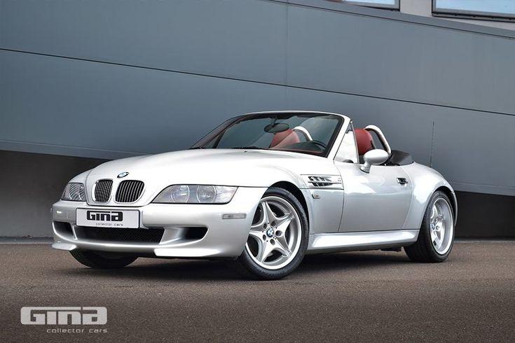 Deze BMW Z3 M Roadster uit 2001 in fraai zilvergrijs metallic met zwart/rood interieur met slechts 38.915km op de teller wordt in eigen land te koop aang...