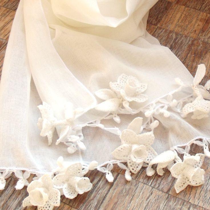Turkish OYA Lace - Flower stole - White by DaisyCappadocia on Etsy