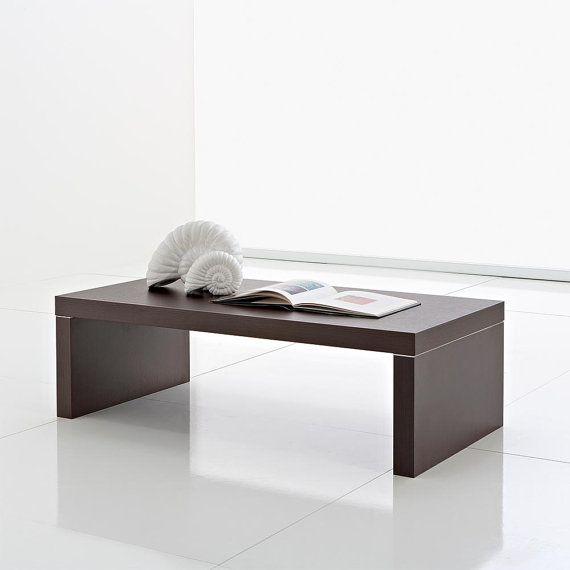 Un ideale piano d'appoggio per riviste, libri o accessori di design per la casa #interior #design