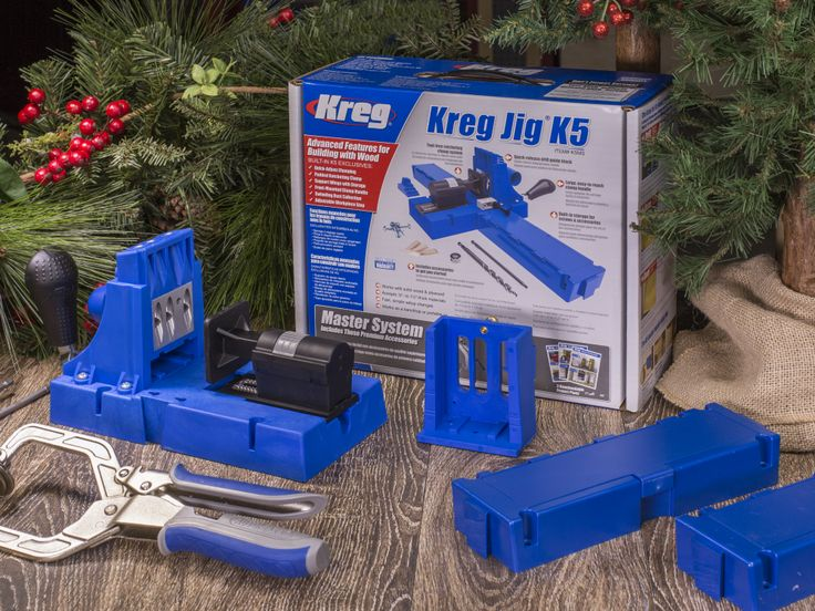 This year, give the gift of building made easy with the Kreg Jig® K5 Master System.