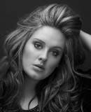 Adele: Son premier enfant en septembre - Potins.net