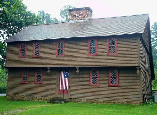 1600s - 1740: New England Colonial    Home Style of Early British Settlers.       British who settled in the New England colonies built rustic, square homes with details drawn from medieval Europe.