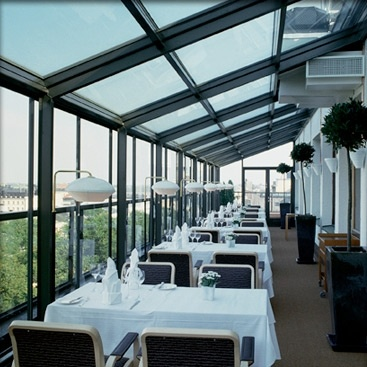 Breathtaking views of Helsinki, fine dining and Finnish design classics by the likes of Alvar Aalto come together at Restaurant Savoy to offer diners an all-round fantastic experience, appropriate for any occasion.