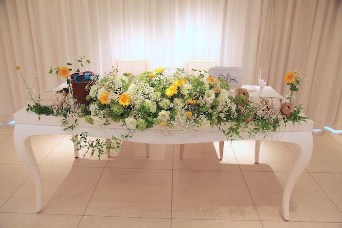 メインテーブル/ガーベラ/トルコキキョウ/花どうらく/ウェディング/Party /Wedding/decoration/http://www.hanadouraku.com/
