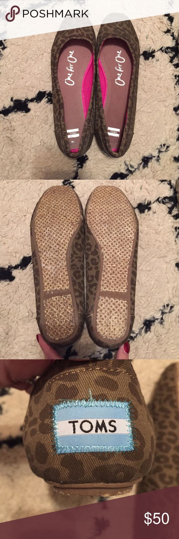Toms brown leopard print ballet flats Toms brown leopard print ballet flats. Size 8. Excellent condition. Worn once. TOMS Shoes Flats & Loafers
