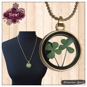 Jewelry - Dried Four leaf clover plant lucky memory necklace