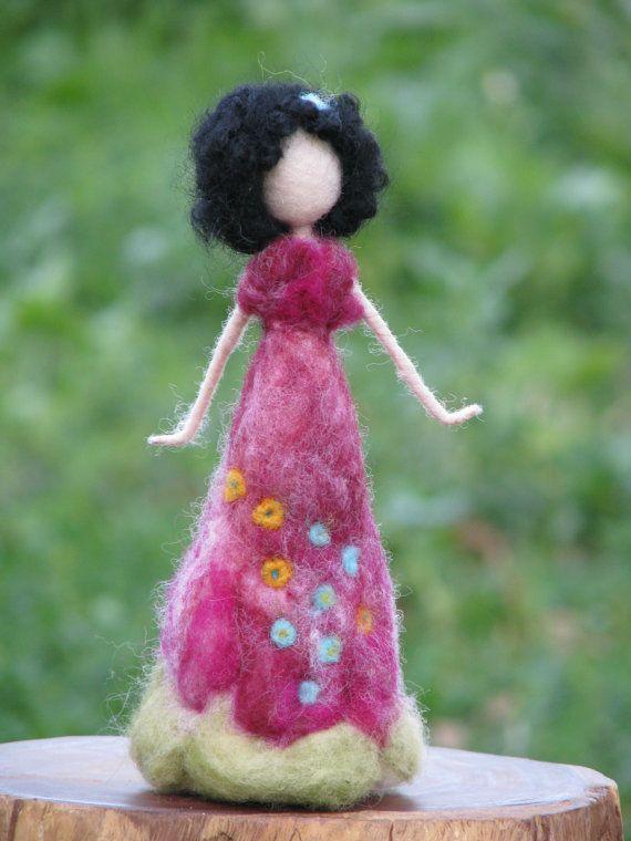 Aguja de fieltro muñeca inspirada Waldorf por Made4uByMagic en Etsy