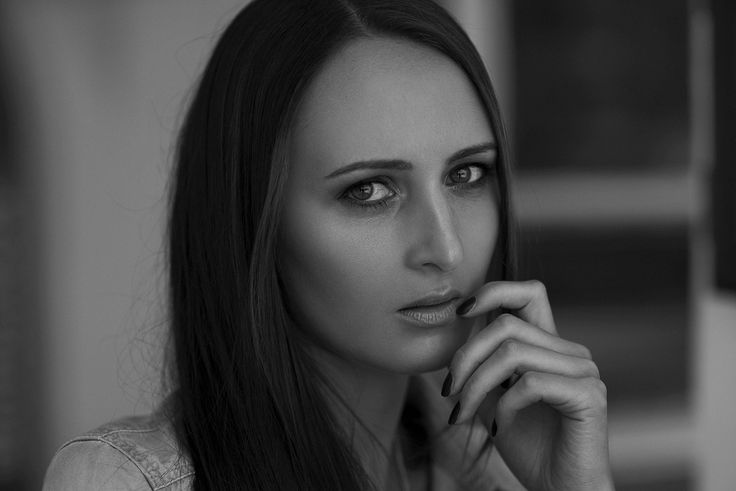 Maria_Female_Portrait_Natural_©SimonThoisPhotography