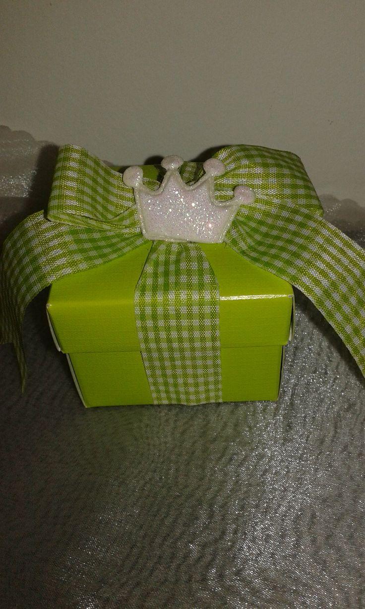 Μπομπονιέρα Βάπτισης Κουτί Κορώνα!