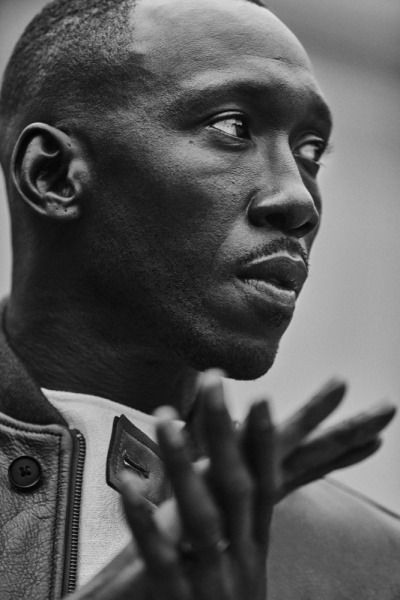 Mahershala Ali. He is that dude. Anyone that can go from House of Cards to Luke Cage to Moonlight is worth your time and energy. I wondered for a minute who would be Denzel's successor. We might have a winner here, Idris Elba notwithstanding.