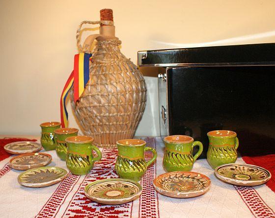 Serviciu ceramic de tuica sau rachiu traditional romanesc