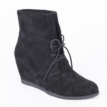 Jones Bootmaker Onora Ankle Boots Jones Bootmaker ONORA is a Ladies casual lace up wedge heel ankle boot in soft Suede. Protect uppers with Protector spray following instructions on can. Clean with a Traditional Cleaning Block or Sued http://www.comparest