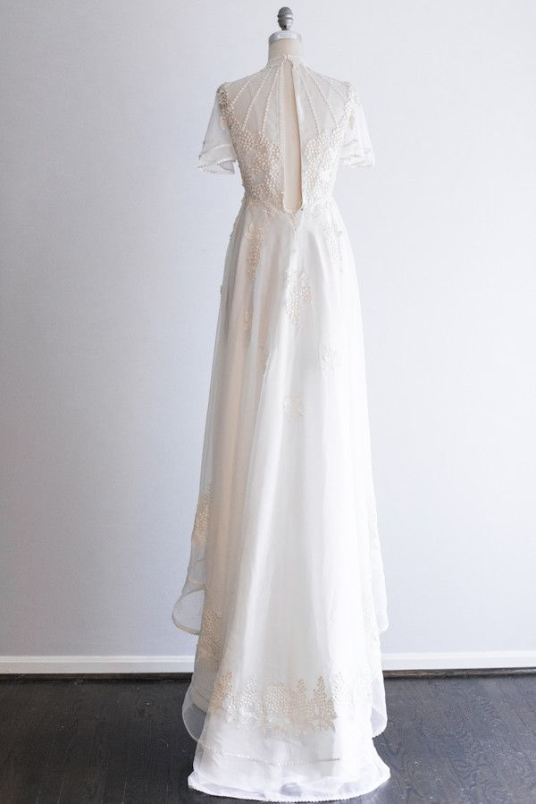 1970s White Chiffon Gown with Flower Embroidery - S | G O S S A M E R