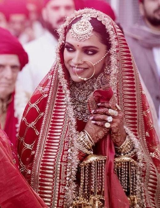 14 Prettiest Red Dupatta Designs To Amp Up Your Bridal Lehenga Bollywood Wedding Deepika Ranveer Indian Wedding Photography