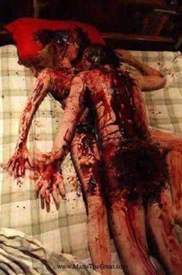 "INGAT!! 14 Februari bukan hri ( KASIH SAYANG ) Tapi, 14 Februari itu ""Hari kematian pastur"" Yang bernama J. Valentina, yang mati di bunuh karena tidak bisa berpisah dengan kekasihnya Sesudah melakukan hubungan terlarang. lalu dia dibunuh bersama pasangan tidur nya. Kalian telah dibodohi oleh Orang Yahudi yang benci islam, Jangan rayakan Valentine day wahai umat Rasulullah!! Sebarkan jika kamu merasa ISLAM."