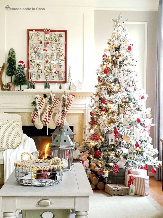 Red and White Christmas Tree - Farmhouse decor #xmastreedecorations