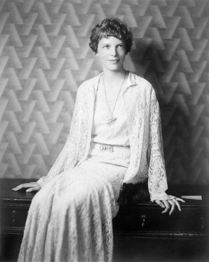 Amelia Earhart 1932