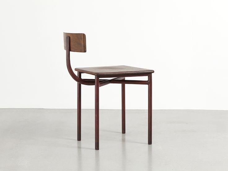 Les 1113 meilleures images propos de mobilier furniture for Entreposage de meuble