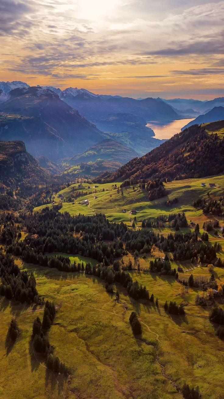 Обериберг (Oberiberg) — коммуна в Швейцарии