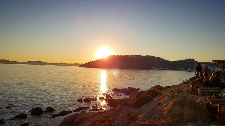 """43 """"Μου αρέσει!"""", 1 σχόλια - Irena World Traveller 🌎✈️ (@irena.traveller) στο Instagram: """"The perfect sunset ☀️ 📍Mykonos island - Greece 🇬🇷 #Mykonos #scorpios #greece #ig_greece…"""""""