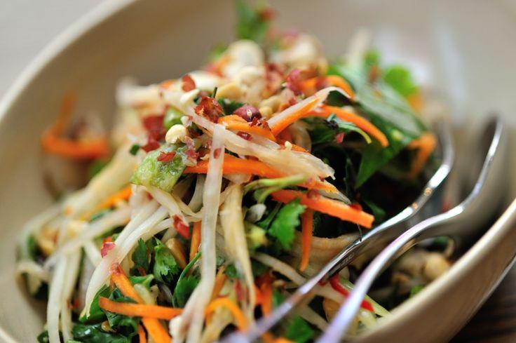 Salade thaï aux crevettes! 469 calories/ 50g glucides/ 17g gras/ 33g protéines