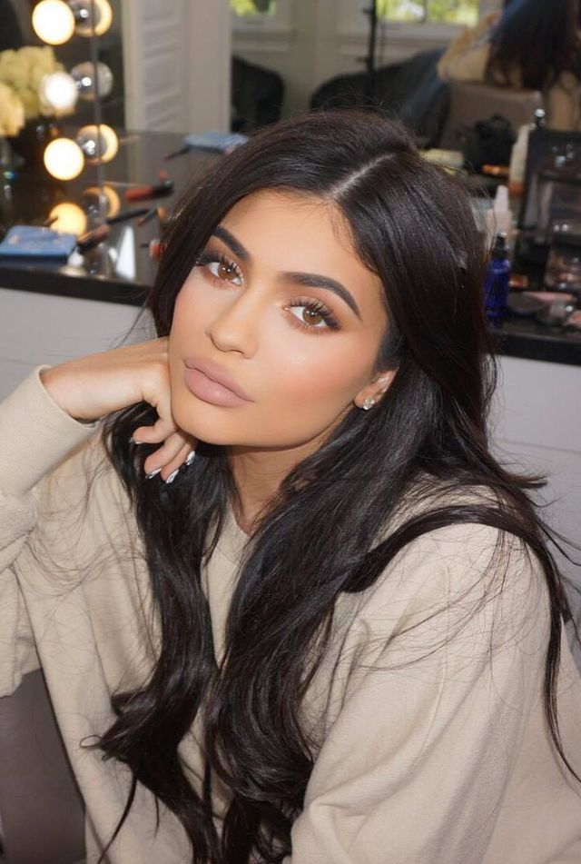 Kylie Jenner | Pinterest mdoretto https://www.youtube.com/channel/UC76YOQIJa6Gej0_FuhRQxJg