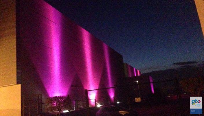@SECTURGTO Parque Guanajuato Bicentenario Se une a la lucha y prevención contra el cáncer de mama http://www.portalsma.mx/sma/index.php/noticias/2197-parque-guanajuato-bicentenario-se-une-a-la-lucha-y-prevencion-contra-el-cancer-de-mama #SanMigueldeAllende