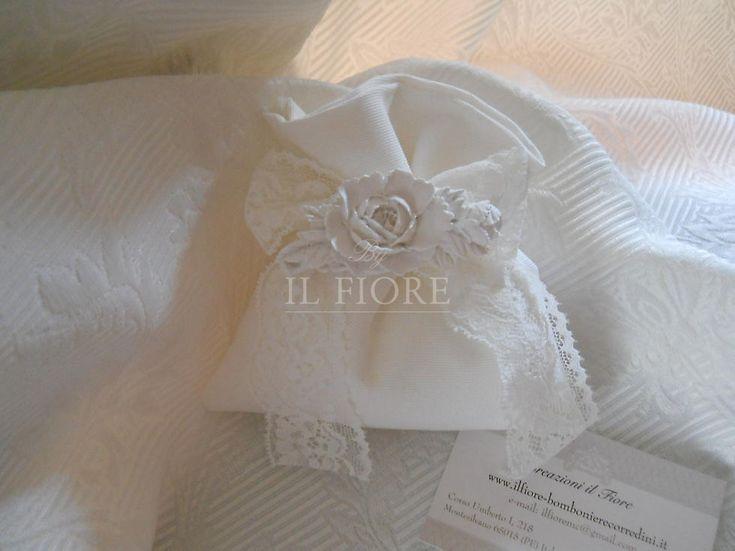 Bomboniera sacchetto  con gessetto fiore per matrimonio comunione e cresima cod. 363E