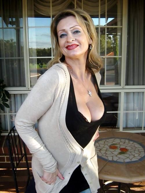 d hanis single mature ladies Browse photo profiles & contact mature, age on australia's #1 dating site rsvp free to browse & join.