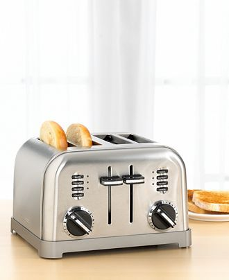 High-tech toasting technology gets a high-style look with this sleek stainless steel toaster featuring beautiful brushed chrome accents. The large, four-slice size is actually two toasters in one, wit #FairfieldGrantsWishes