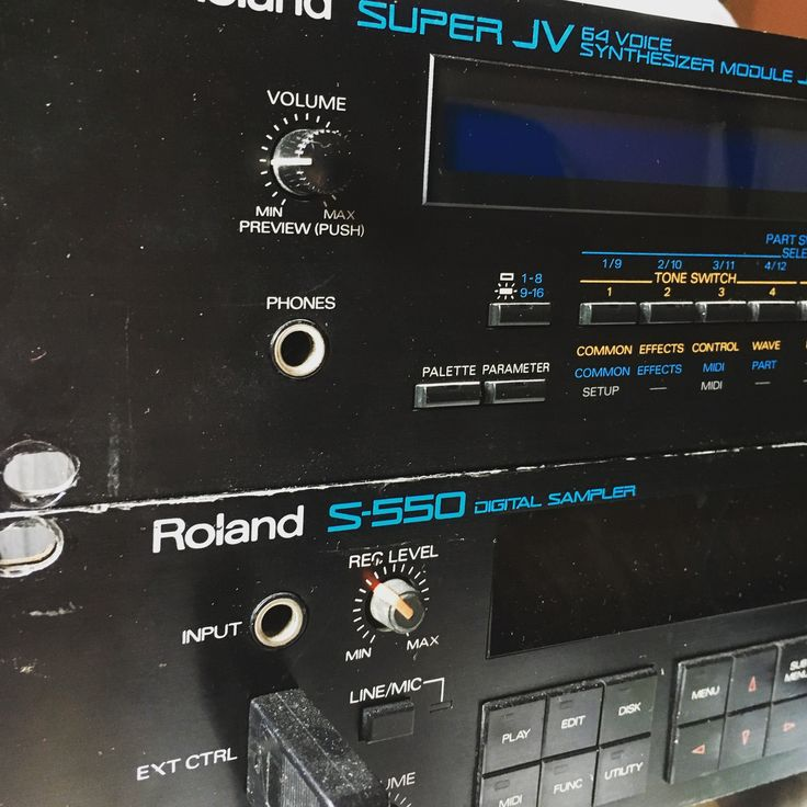 Sampling Roland jv-1080 into S-550. Let's see what happens.