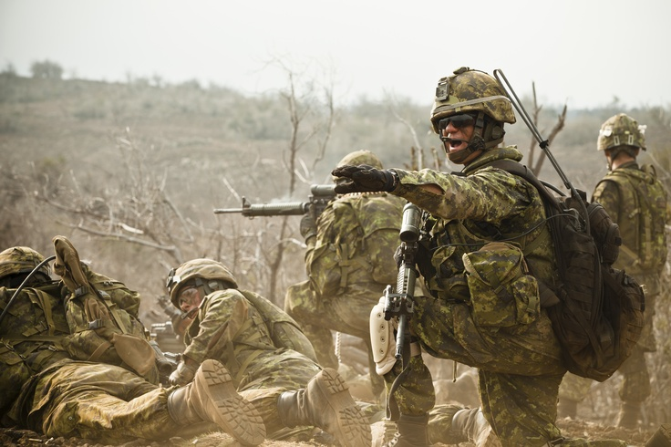 CF Royal Canadian Regiment participate in live fire exercise at RIMPAC 2012
