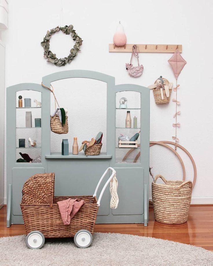 Chambre petite fille rétro vintage couleurs douces pastel ...