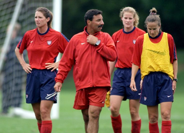 Soccer world is heartbroken over death of former USWNT coach Tony DiCicco