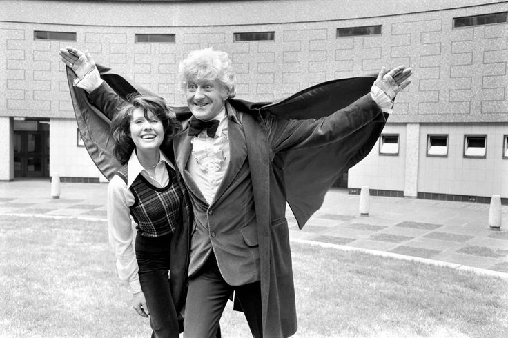Classic Doctor Who. Elisabeth Sladen with Jon Pertwee after the announcement that she will play Sarah Jane Smith - the Doctors new assistant - in June 1973 (the Doctor looks like a vampire if you ask me...)