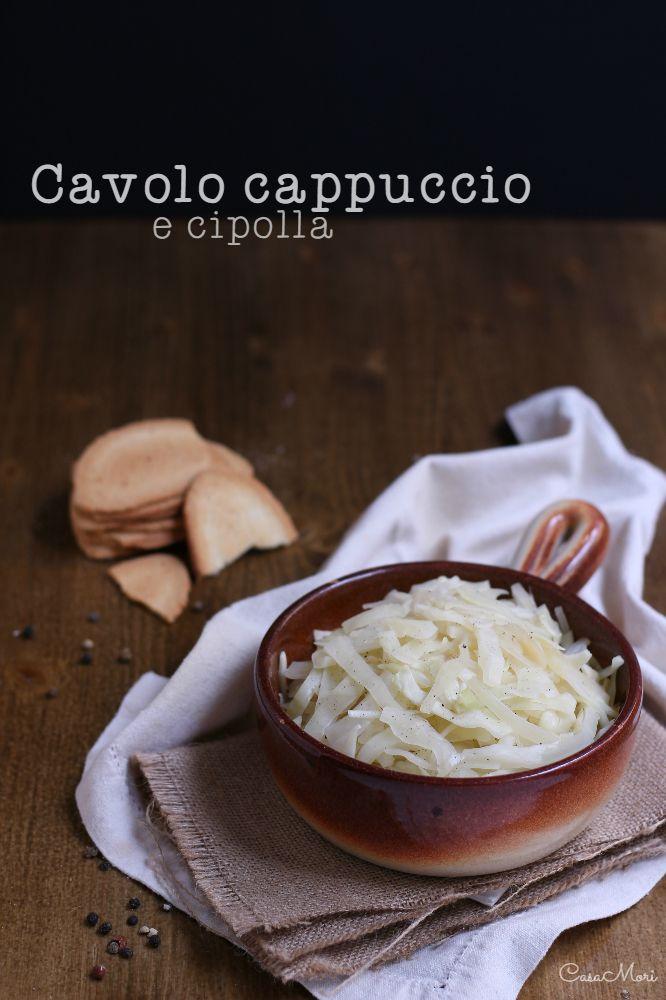 Il cavolo cappuccio e cipolla è un perfetto contorno invernale che vi assicuro essere davvero molto saporito e gustoso