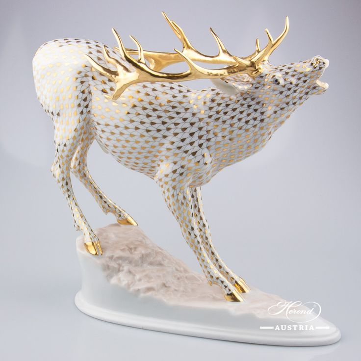 Chief Desk Deer big sized – NEW in 2016 - Herend Animal Figurine 15281-0-00 VHOR - Gold
