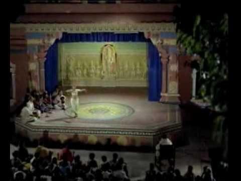 Saptapadi - Akhilandeshwari Chamundeshwari Song Lyrics