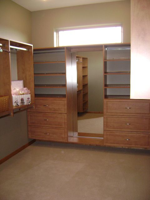 2010 mckinley parade model featuring a walk in closet for Homes with walk in closets