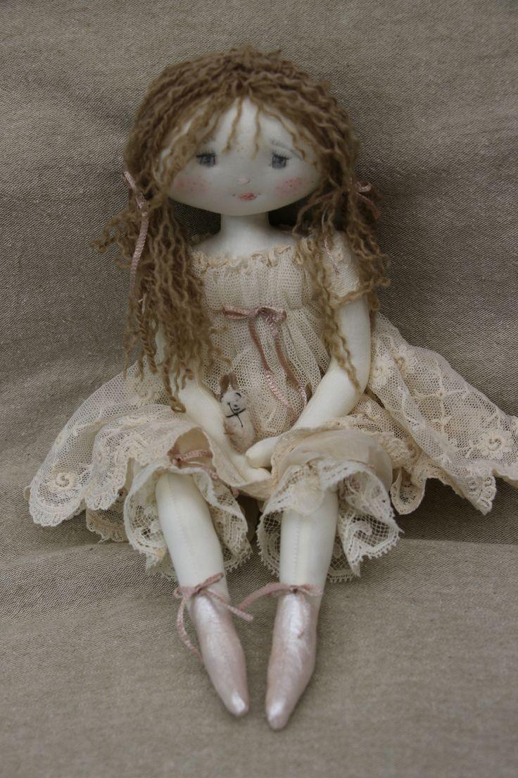 Я хотел бы найти модель для этой куклы.  Я даже не могу найти куклу для продажи.