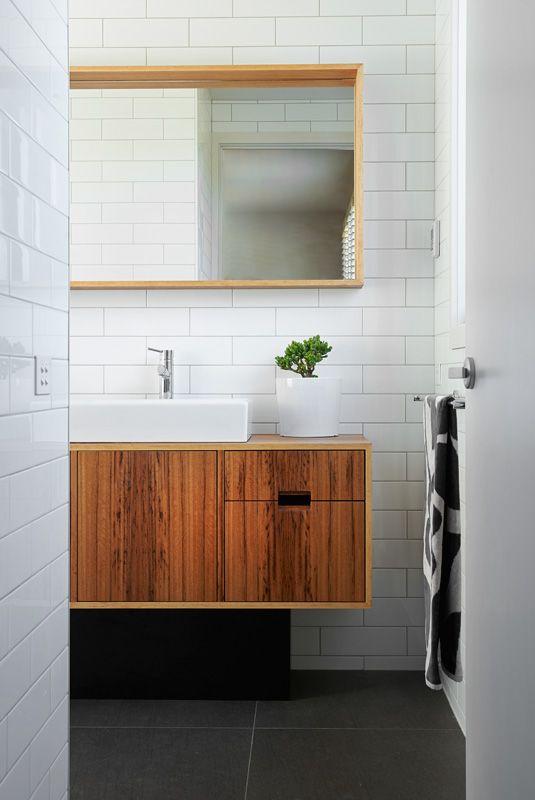Bathroom Joinery (ensuite) - Auld Design