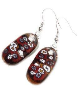 Handgemaakte lange bruine glazen oorbellen met wit-bruine millefiori sterren!