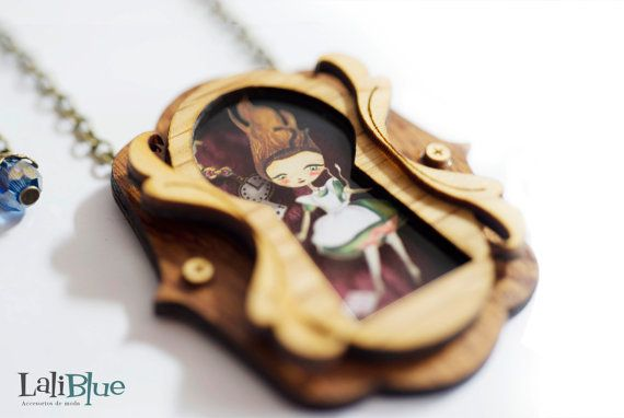 Alice in Wonderland necklace. / Collar Alicia en by LaliblueShop >> adorable!