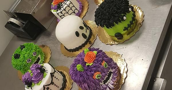 Halloween ist mein Favorit: cakedecorating   – Baking