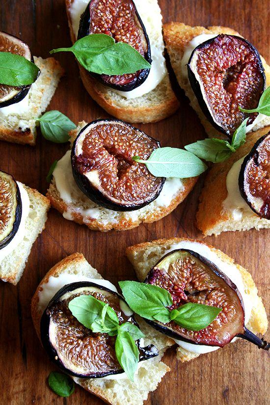 Roasted Fig Bruschetta and Ricotta with Basil / Image via: Alexandra Cooks #foods #recipes