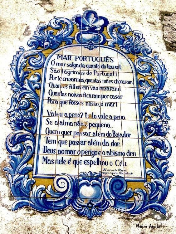 Poema de Fernando Pessoa nos azuleijos                                                                                                                                                                                 Mais