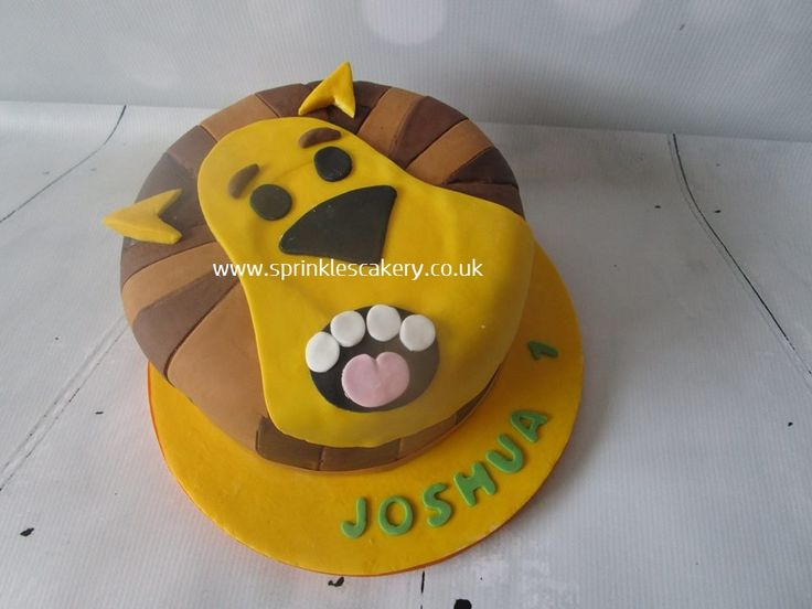 Another CBeebies character is brought to life in this striking fondant cake; Raa Raa the Noisy Lion.