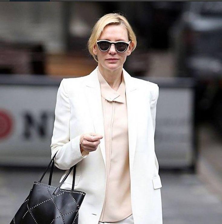 13 best ideas about celebrities in eyewear on pinterest for Martin margiela glasses