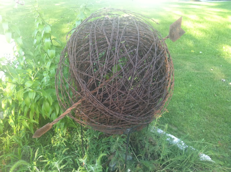 how to make a ball out of barbed wire